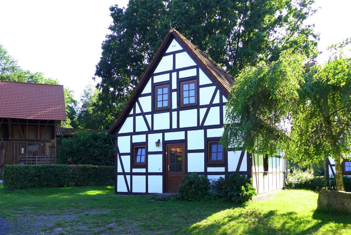 ferienhaus hessen odenwald ferienhaus 1 in mossautal h ttenthal waldhubenhof. Black Bedroom Furniture Sets. Home Design Ideas