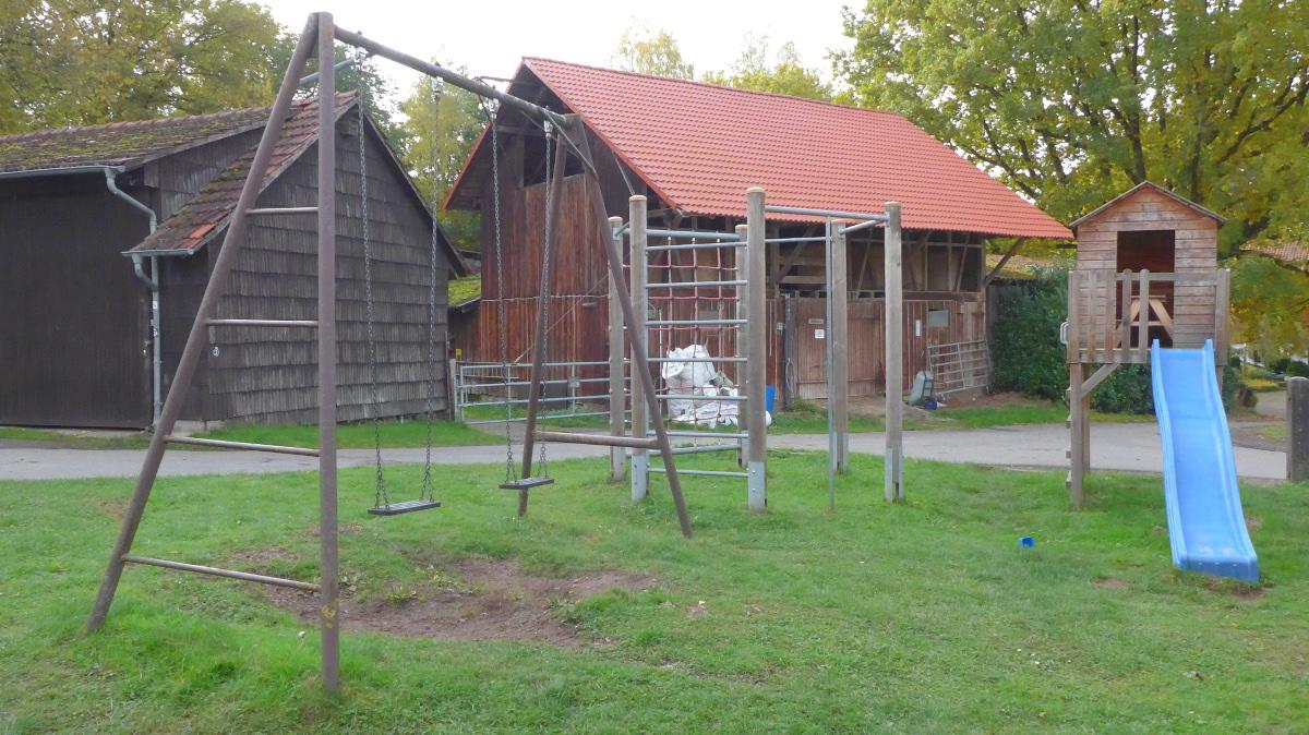 Klettergerüst Ziegen : Kinderspielplatz auf dem waldhubenhof